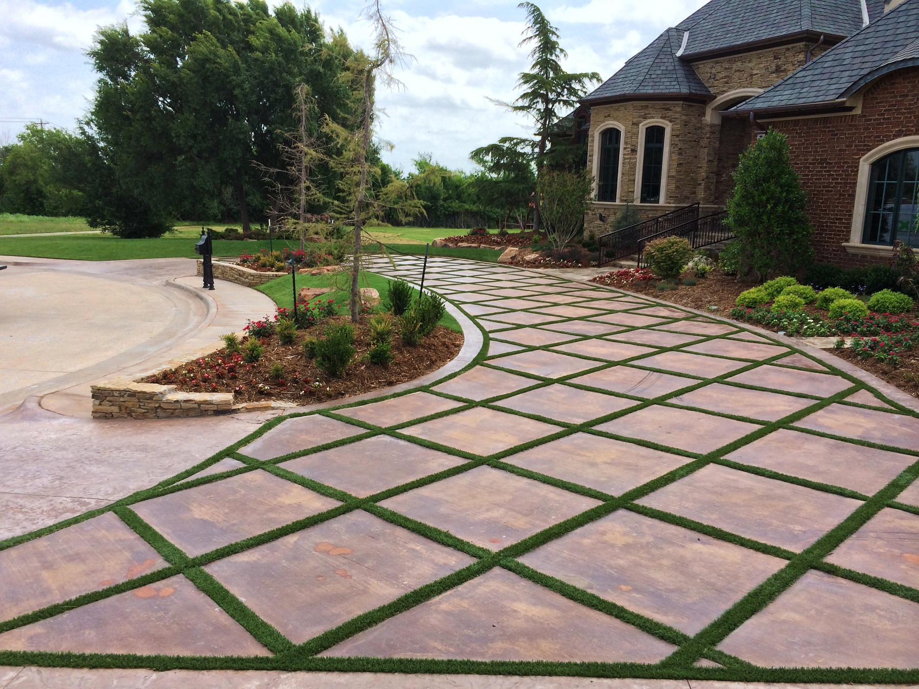 Artificial Grass in Edmond driveway