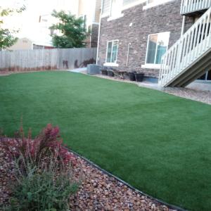 Medium Size Artificial Grass Sideyard