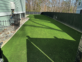 Artificial grass side lawn in Charleston, SC