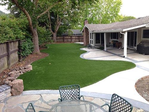 artificial turf backyard in West Ashley