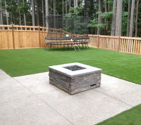 Artificial Turf Trampoline and Yard