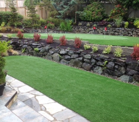 Artificial putting green and fringe