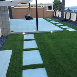 Turf with stepping stones