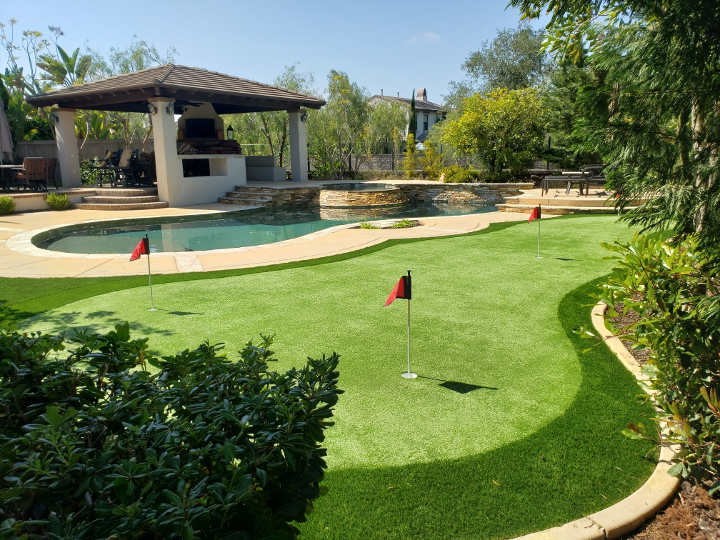 Large poolside custom putting green